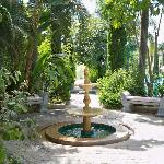 Seating area & fountain by pool