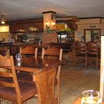 Paloma Pub. Nice Pitzas.