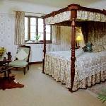 The fourposter bedroom.