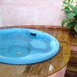 outdoor plunge pool- not quite what was advertised- no outdoor loungers