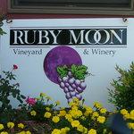 Ruby Moon Vineyard & Winery