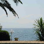Fin d'après-midi au bord de la piscine Les Jardins