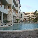 SMB: Swim Out Suites