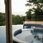 pool (w/ ocean view!)