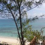 vista del mare dalla scaletta verso la spiaggia