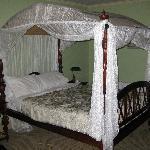 room 6 deluxe room