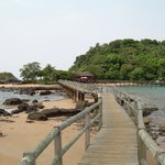 BOM BOM Resort - walkway to restaurant
