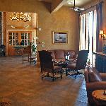Lantana Lodge lobby