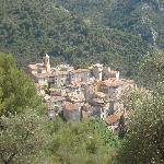 Peillon village