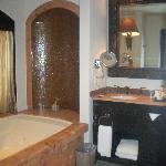 Bathroom & HUGE Tub
