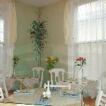 the breakfast room