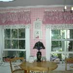 the very pretty kitchen
