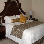 WONDERFUL bed in king deluxe room