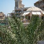 Blick auf das Al Qasr Hotel & Mina Salam Hotel