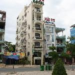 The Y Van Hotel