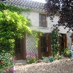 Outside Les Vignes