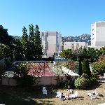 Vista della camera sul campo da tennis dell'hotel