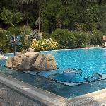 la piscina esterna al piano superiore a 32 gradi