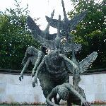 Children of Lir statue by Oisin Kelly
