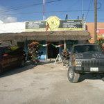 shop on the cross, HWY307 and av.Coba