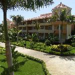 Des bâtiments d'une quarantaine de chambre forme l'hôtel