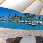 Four Seasons Bora Bora Horizon Pool
