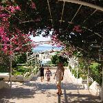 Hinterausgang - Auf dem Weg zum Restaurant und Strand