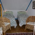 camas incomodas y pequeñas