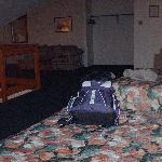624 - upper floor, jacuzzi in same room