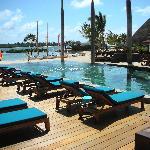 015 - FSMRU - Infinity Pool, Pool Bar and Boathouse