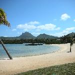 018 - FSMRU - Beach on Ile aux Chats facing southeast