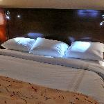 Room 634 king bed with LED reading lights