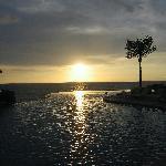 Nuna infinity pool at sunset