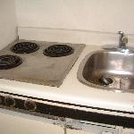 Cooker and Sink - imagine the danger having water near electricity