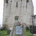 Ireland: co. Mayo - Clare Island: Memorial at Clare Abbey