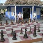 Pat adn ray playing chess