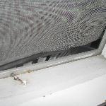 broken screen, room 14, Bennington Motor Inn