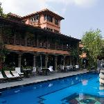 Dwarika's pool and lounge