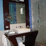Bathroom 1 Room 413