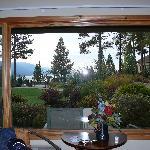 Interno suite: vista giardino e lago