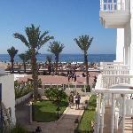 la vue sur la plage depuis notre chambre
