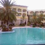 vue de la piscine exterieure prise le 26 octobre 2008