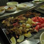 Foto de Cham Sut Gol Korean BBQ Restaurant