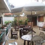 Courtyard & kitchen