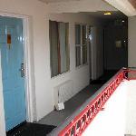The walkway - making the room dark