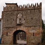 la porta d'ingresso del comprensorio abbaziale