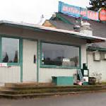 Mack's Dexter Lake Cafe