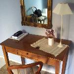 Little desk; I wish there were WiFi