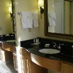 Petit coin lavabo indépendant de la salle de bains