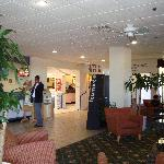 Lobby R'way Inn